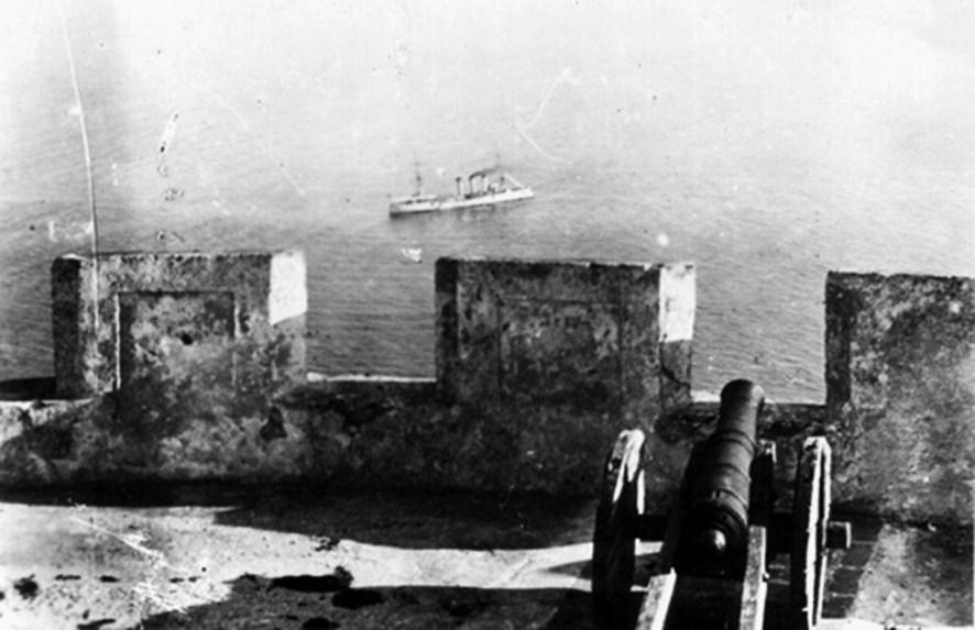 Le Berlin en rade d'Agadir. Il fut remplacé par la suite par le Panther.