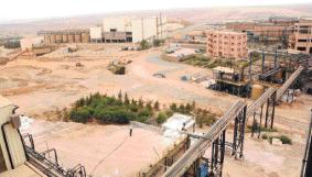 L'activité minière est en pleine expansion dans le Souss-Massa-Draâ. En 2012, un nombre de 636 autorisations ont été signées, totalisant un montant d'investissement de l'ordre de 287,41 millions de DH