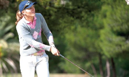 Céline Palomar, victorieuse du tournoi Pro Am, a déjà pris ses repères au golf de l'Océan.