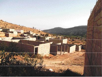 Dans la localité de Mesguina qui fait partie du pays d'accueil touristique d'Imouzzer, même la réserve de biosphère protégée par l'Unesco n'est pas épargnée par les constructions anarchiques
