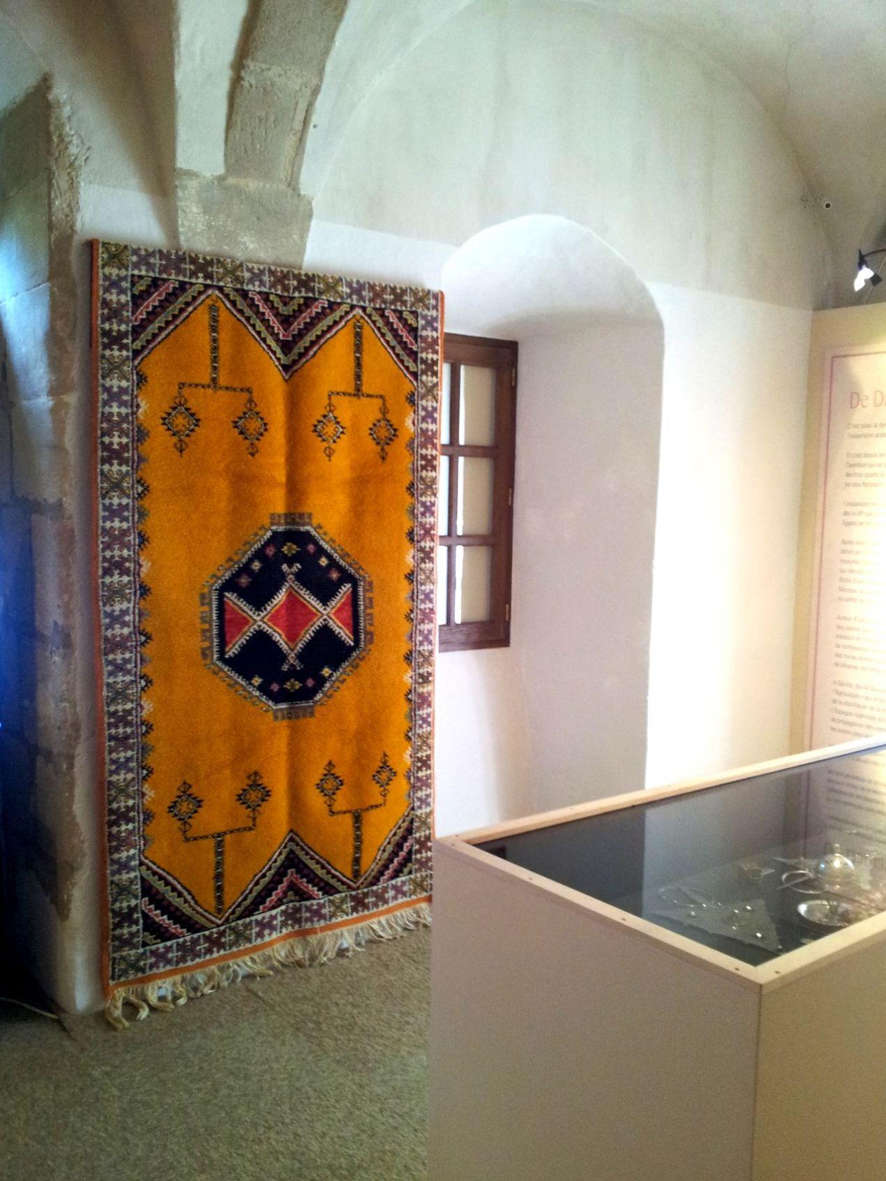 et un magnif_ique tapis de Tazenaght que Chantal a eu beaucoup de mal à faire parvenir