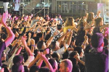La station balnéaire a réuni de grands noms de la chanson. Le public a particulièrement apprécié la programmation d'enfants du pays tels que Vigon,  Sofia Essaidi ou encore les groupes Fnaire et Rebab Fusion