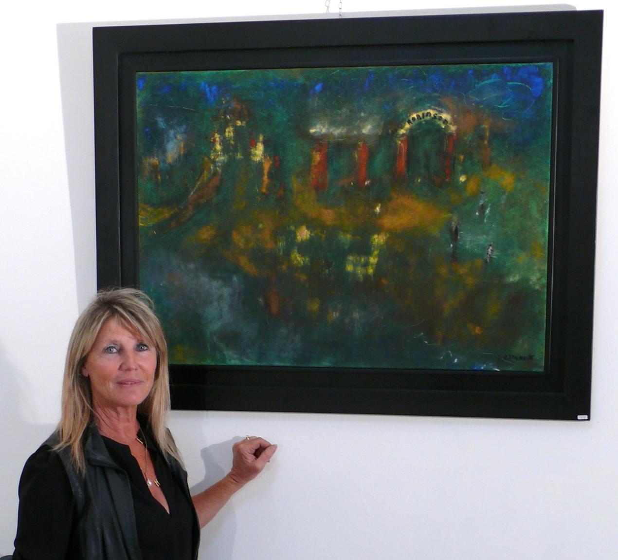 """Chantal devant une de ses oeuvres :""""Le Robinson"""" où elle a grandi, tout près de l'oued."""