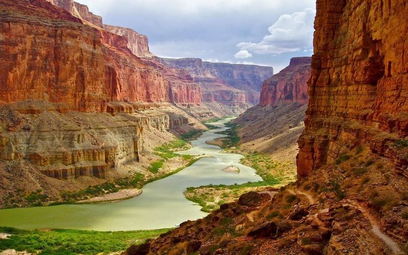 Grand canyon en Arizona - USA, Un relief similaire est sous mer au Maroc
