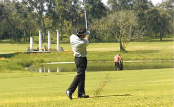 En un siècle de développement, l'histoire du golf au Maroc a été marquée de nouvelles infrastructures mais aussi de champions qui constituent des vecteurs d'image. Maha Haddioui est aujourd'hui l'étoile montante du golf marocain
