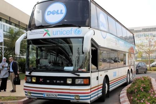 Durant ce périple éducatif et social, le bus AJI fera également une donation de 6 ordinateurs à l'Association de Solidarité Marathon des Sables, durant cet événement sportif international. /DR