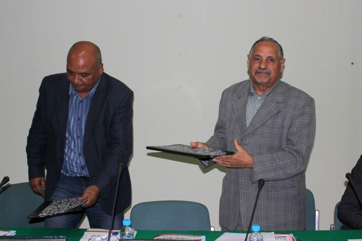 """Signature de la """"Charte d'Enente"""" par M. mohamed Bajalat Président du Forum Izorane et M. Charfeddine Ahmed Président de l'Association des anciens d'Agadir Ighir"""