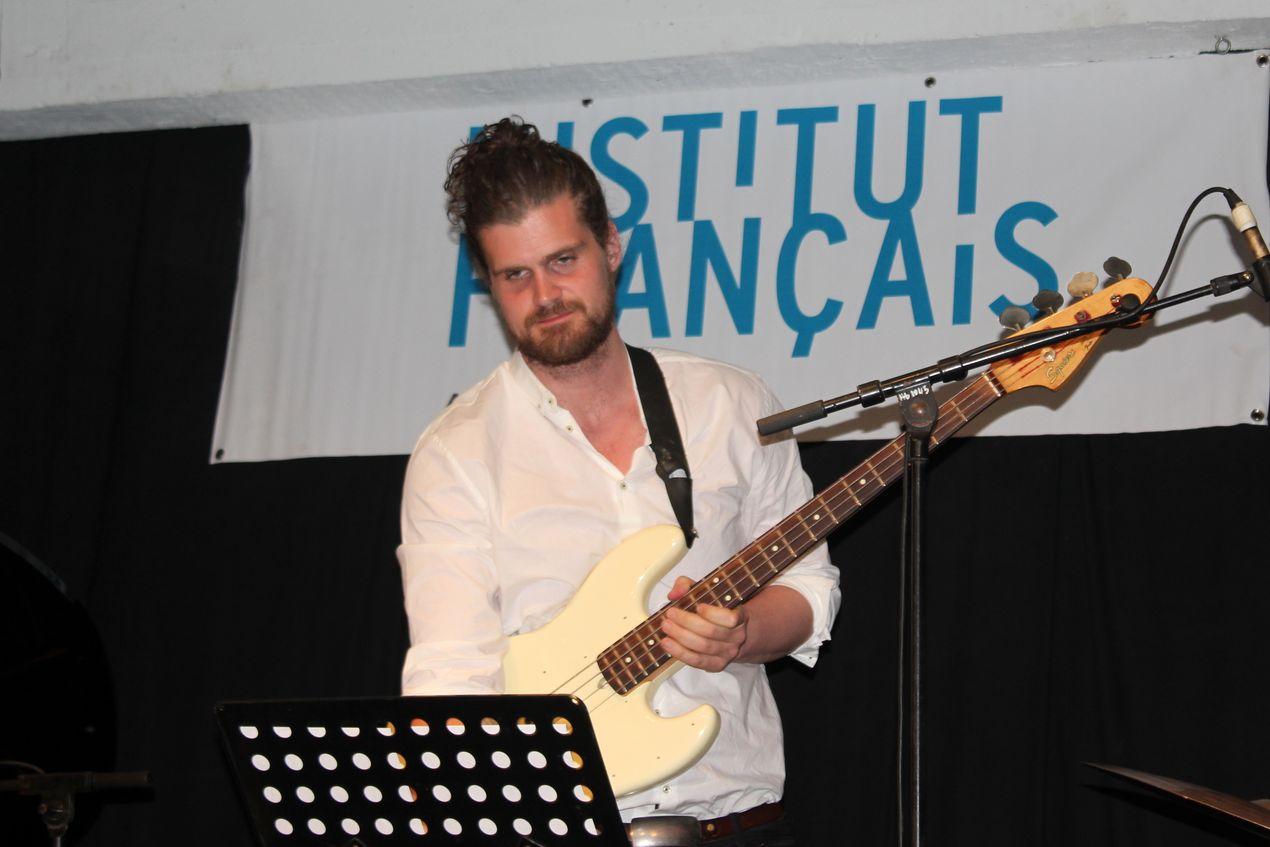 Kenneth Dhal Knudsen, le contrebassiste, est issu du très célèbre Berlin Jazz Institute.
