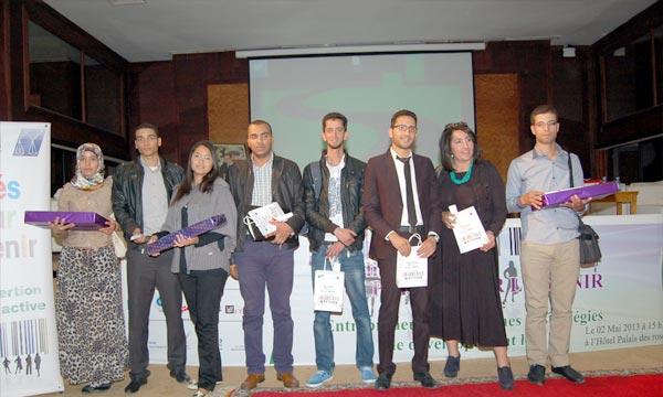 Remise des prix, à Agadir, aux lauréats du programme «Parés pour l'avenir», une initiative destinée à faciliter l'insertion des diplômés dans le marché de l'emploi. Ph : MAP