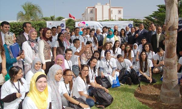 Faire valoir les différentes facettes de l'identité marocaine dans ses dimensions culturelles et civilisationnelles et renforcer les liens permanents d'appartenance des jeunes MRE à la mère-patrie. Ph : MAP