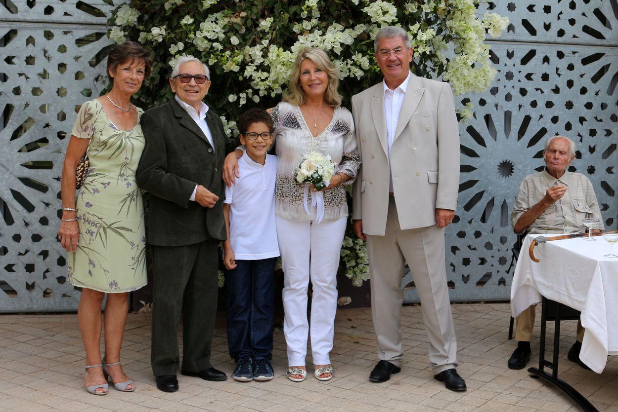 Nicole, Michel, Mehdi, Chantal, moi et, à droite, Fernand, le papa de Chantal qui reprend des forces !