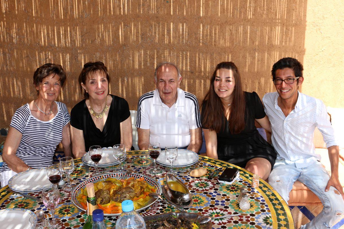 Nicole, Régine, Georges, Camille et Mehdi