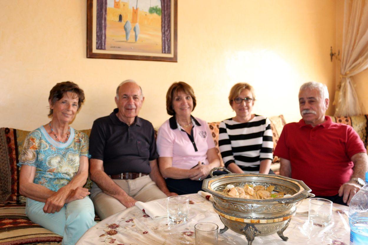 De gauche à droite, Nicole, Georges, Régine, Mireille et Serge