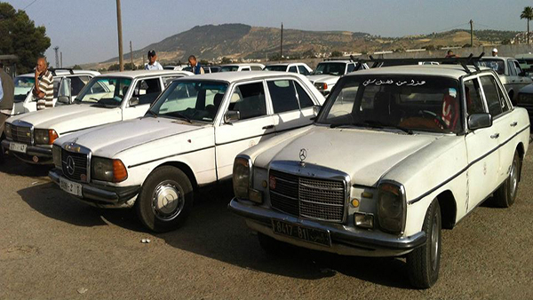 The-Mercedes-w123s-often-240Ds-Grand-Taxis-in-Morocco